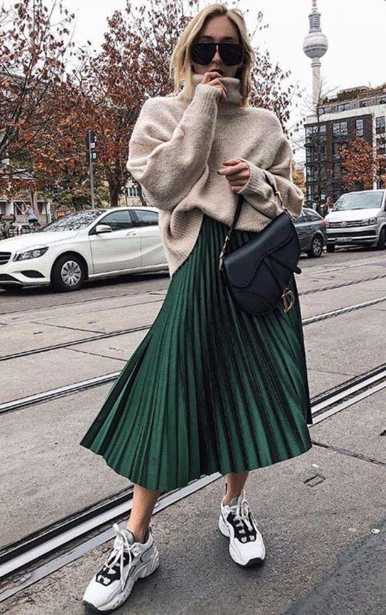 Los mejores outfits con faldas midi para invierno
