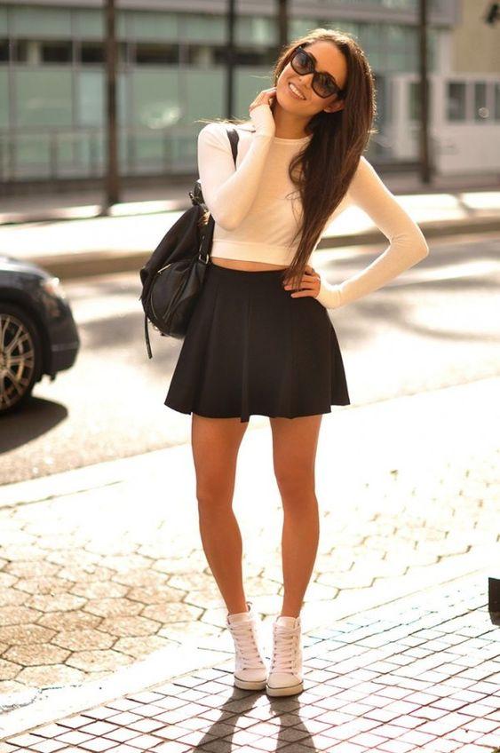 Ideas de looks con falda negra corta