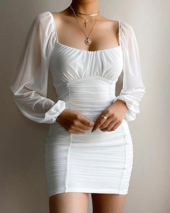 Diseños de vestidos con manga bombacha transparente