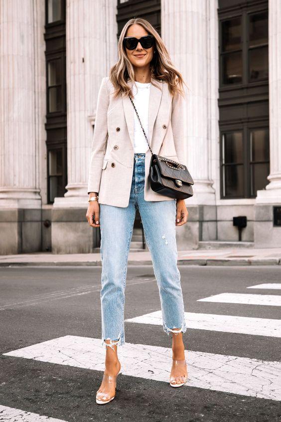 Mom jeans con blazer para mujeres de 30