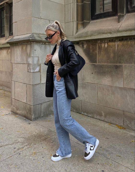 Blazers de cuero con jeans