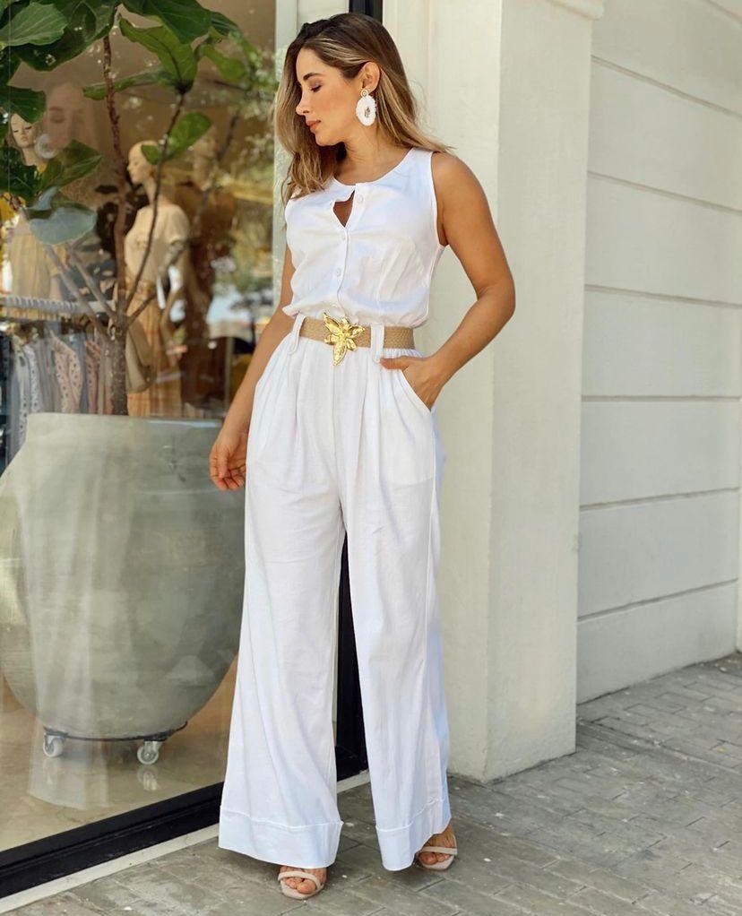 Formas de armar tus outfits color blanco para verte más delgada