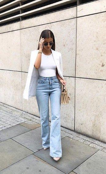 Camisetas básicas color blanco con chaqueta encima