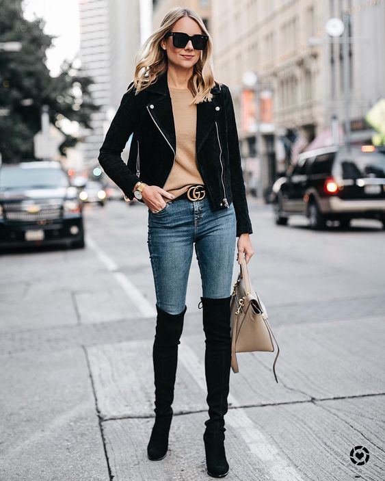 Skinny jeans con botas largas