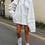 Vestidos estilo sudadera con botas largas