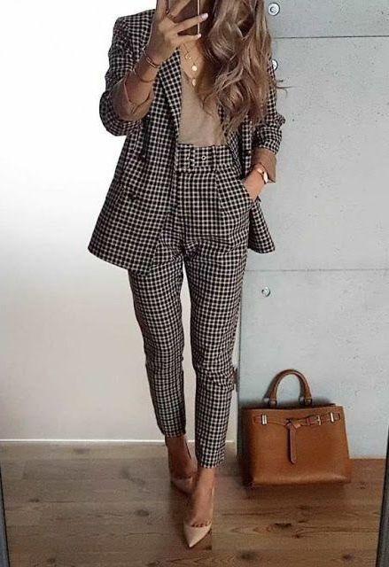 Diferentes diseños de pantalones de vestir