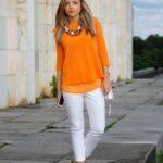 Looks casuales con blanco y naranja