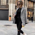 Viste con abrigos largos