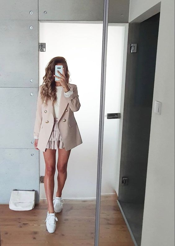 Outfits con tenis blancos