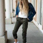 Outfits cómodos que todas las chicas universitarias deberían usar