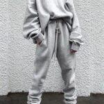 Ideas de outfits con tenis cómodos para invierno