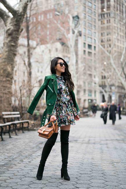 Vestidos florales con botas para otoño
