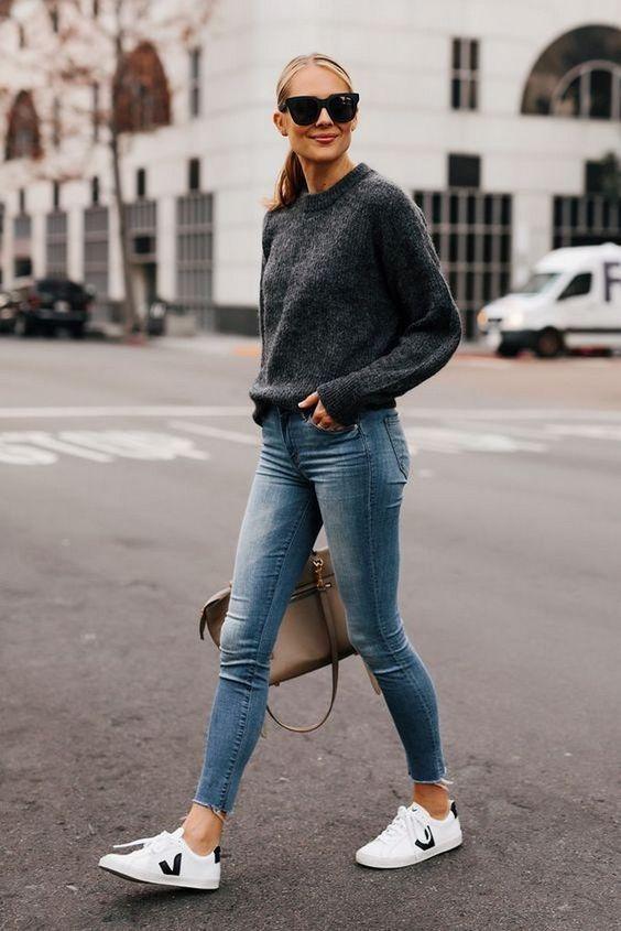 Ideas de outfits con suéter y jeans