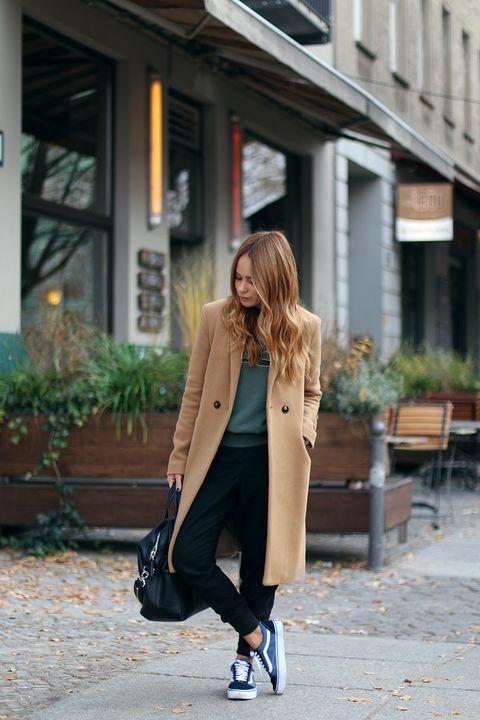 Outfits con pants y abrigos largos